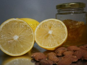 Lemon, honey and almond scrub for oily skin